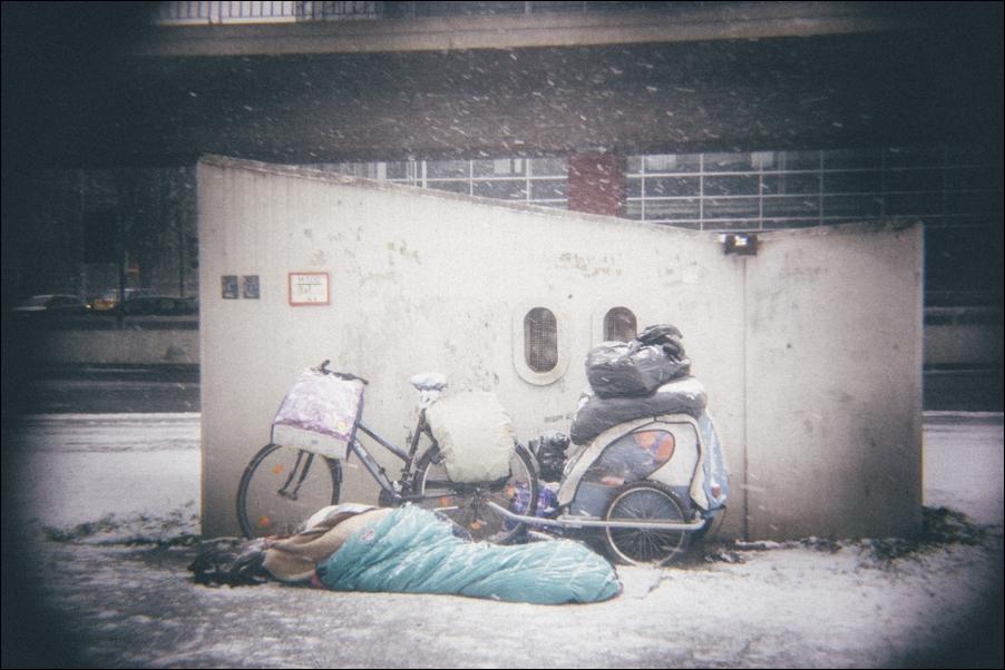 neujahr-am-maschsee-erster-schnee-in-hannover-peoplefotografie-sportfotografie-reportagefotografie-osnabrueck-people-sport-reportage-13