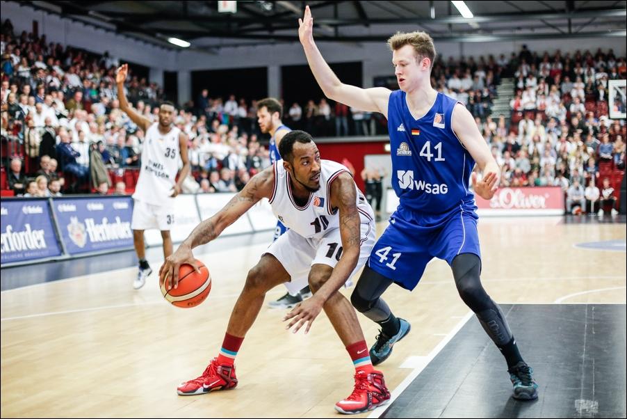 basketball-artland-dragons-playoffs-2016-peoplefotografie-sportfotografie-reportagefotografie-osnabrueck-people-sport-reportage-03