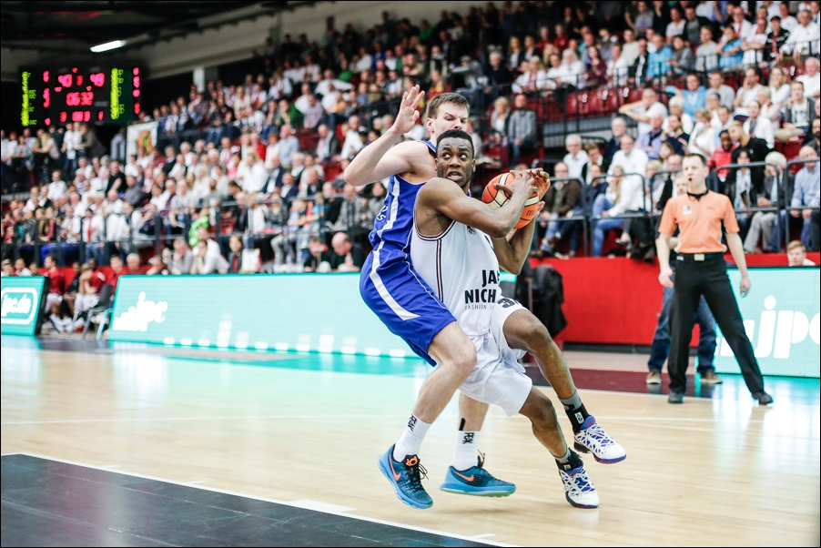 basketball-artland-dragons-playoffs-2016-peoplefotografie-sportfotografie-reportagefotografie-osnabrueck-people-sport-reportage-04
