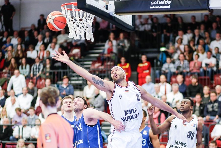 basketball-artland-dragons-playoffs-2016-peoplefotografie-sportfotografie-reportagefotografie-osnabrueck-people-sport-reportage-05