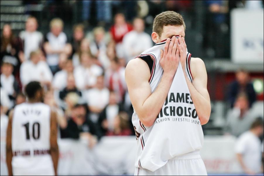 basketball-artland-dragons-playoffs-2016-peoplefotografie-sportfotografie-reportagefotografie-osnabrueck-people-sport-reportage-14