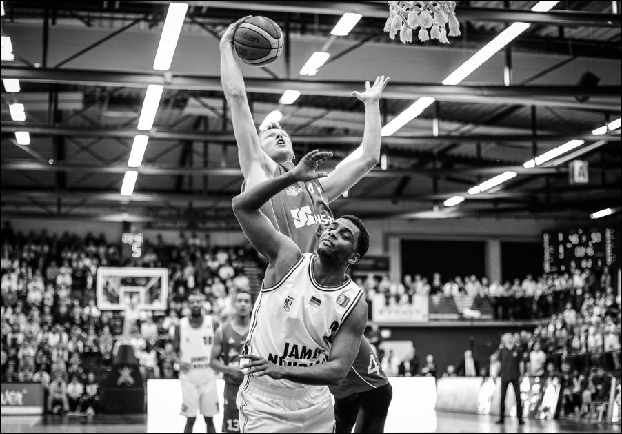 basketball-artland-dragons-playoffs-2016-peoplefotografie-sportfotografie-reportagefotografie-osnabrueck-people-sport-reportage-19