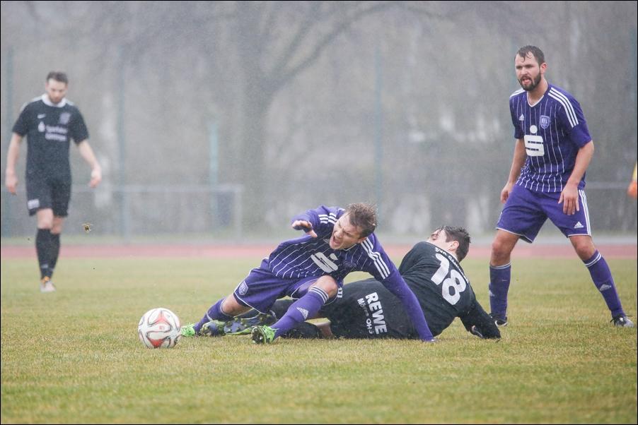 fussball-und-handball-oberliga-peoplefotografie-sportfotografie-reportagefotografie-osnabrueck-people-sport-reportage-15