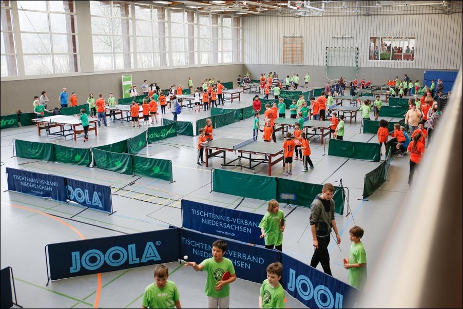 tischtennis-und-politikerbesuch-peoplefotografie-sportfotografie-reportagefotografie-osnabrueck-people-sport-reportage-02