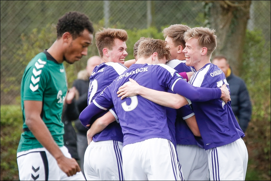 fussball-a-junioren-regionalliga-nord-osnabrueck-luebeck-peoplefotografie-sportfotografie-reportagefotografie-osnabrueck-people-sport-reportage-12