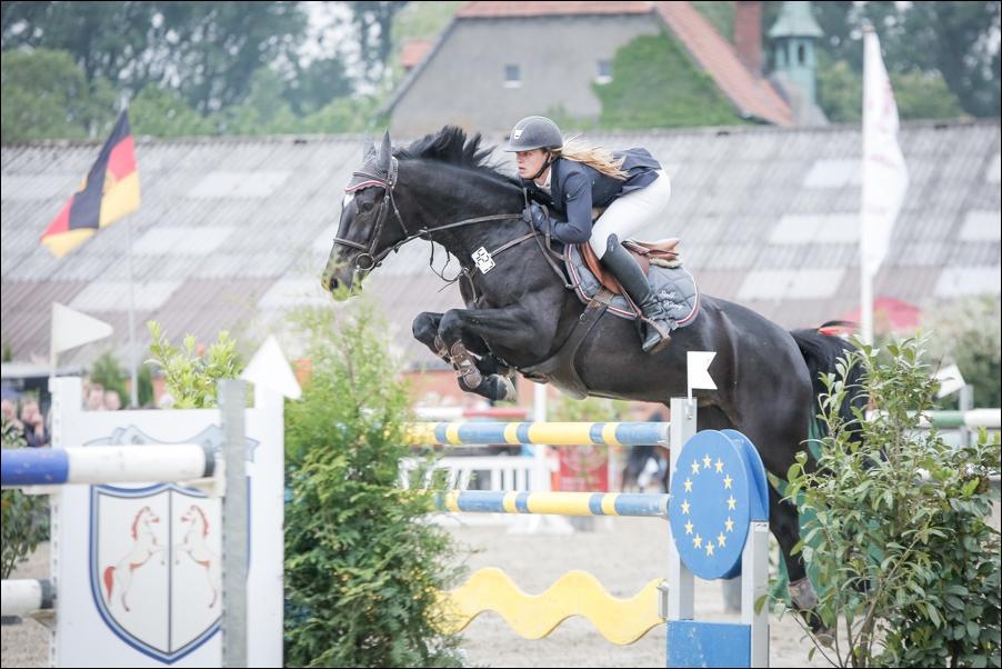 reitsport-gut-stockum-bissendorf-peoplefotografie-sportfotografie-reportagefotografie-osnabrueck-36