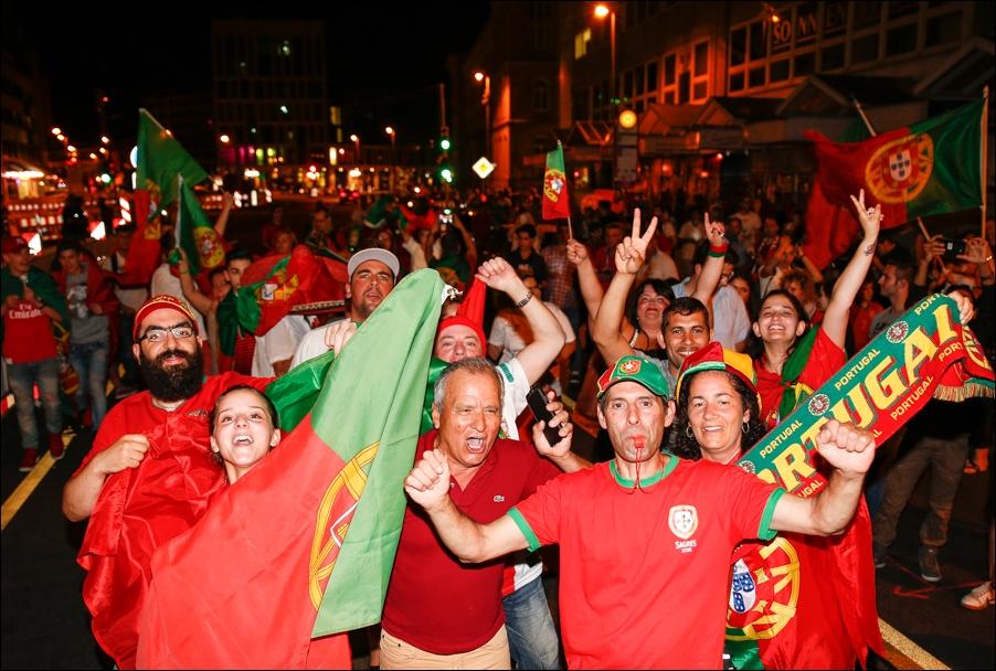 em-finale-portugiesen-neumarkt-osnabrueck-peoplefotografie-sportfotografie-reportagefotografie-osnabrueck-17
