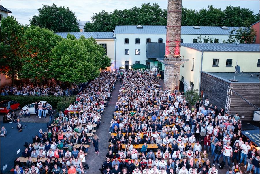 public-viewing-ger-fra-peoplefotografie-sportfotografie-reportagefotografie-osnabrueck-03