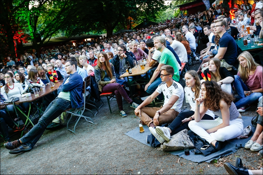 public-viewing-ger-fra-peoplefotografie-sportfotografie-reportagefotografie-osnabrueck-07