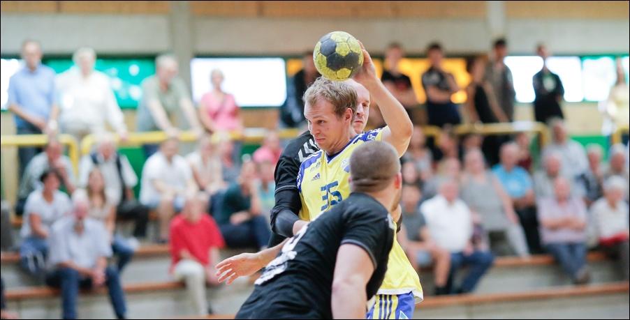 handball-oberliga-bissendorf-gegen-cloppenburg-peoplefotografie-sportfotografie-reportagefotografie-osnabrueck-people-sport-reportage-03