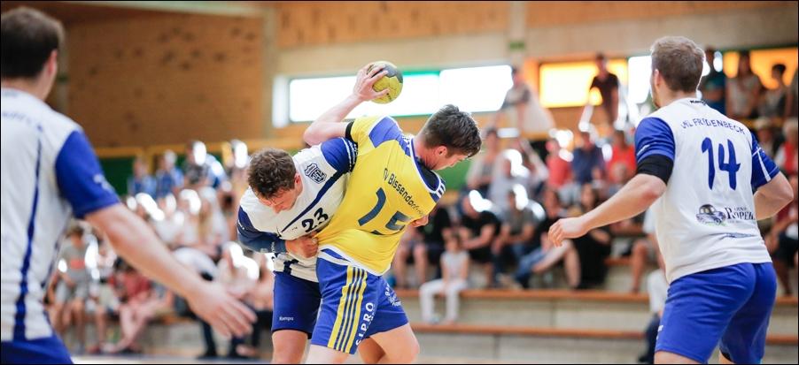 handball-oberliga-tv-bissendorf-holte-gegen-vfl-fredenbeck-ii-peoplefotografie-sportfotografie-reportagefotografie-osnabrueck-people-sport-reportage-12