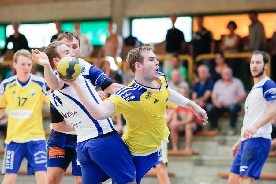 handball-oberliga-tv-bissendorf-holte-gegen-vfl-fredenbeck-ii-peoplefotografie-sportfotografie-reportagefotografie-osnabrueck-people-sport-reportage-24